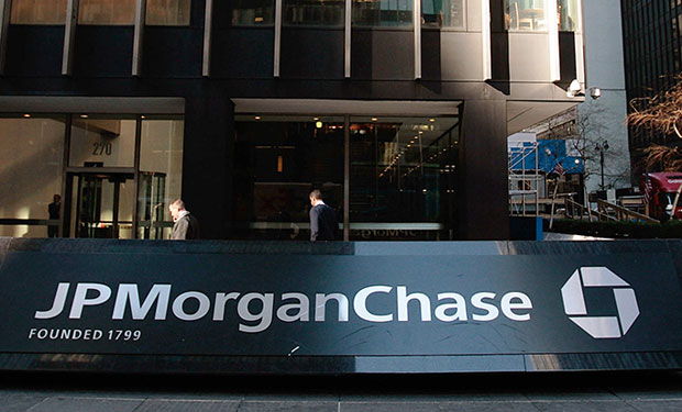 FBI Probes JPMorgan, Other Bank Attacks